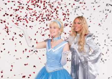 Prominenter Gast-Star: Sängerin Loona spielt gute Fee im Pop-Musical Cinderella – mit Videos