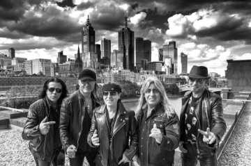 "SCORPIONS präsentieren ihr neues Album:  ""Born To Touch Your Feelings – Best Of Rock Ballads"""
